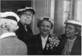 The Allyne sisters are pictured on either side of Mrs. Lindley H. Miller. Courtesy of Octagon House archives.